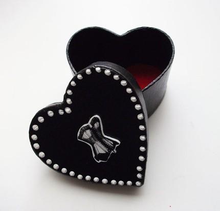 heart shaped box: